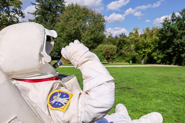 Darmstadt - Astronaut am Steinbrueckerteich